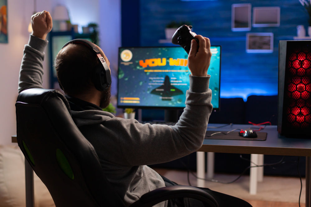 Man streaming online videogames for esport tournament