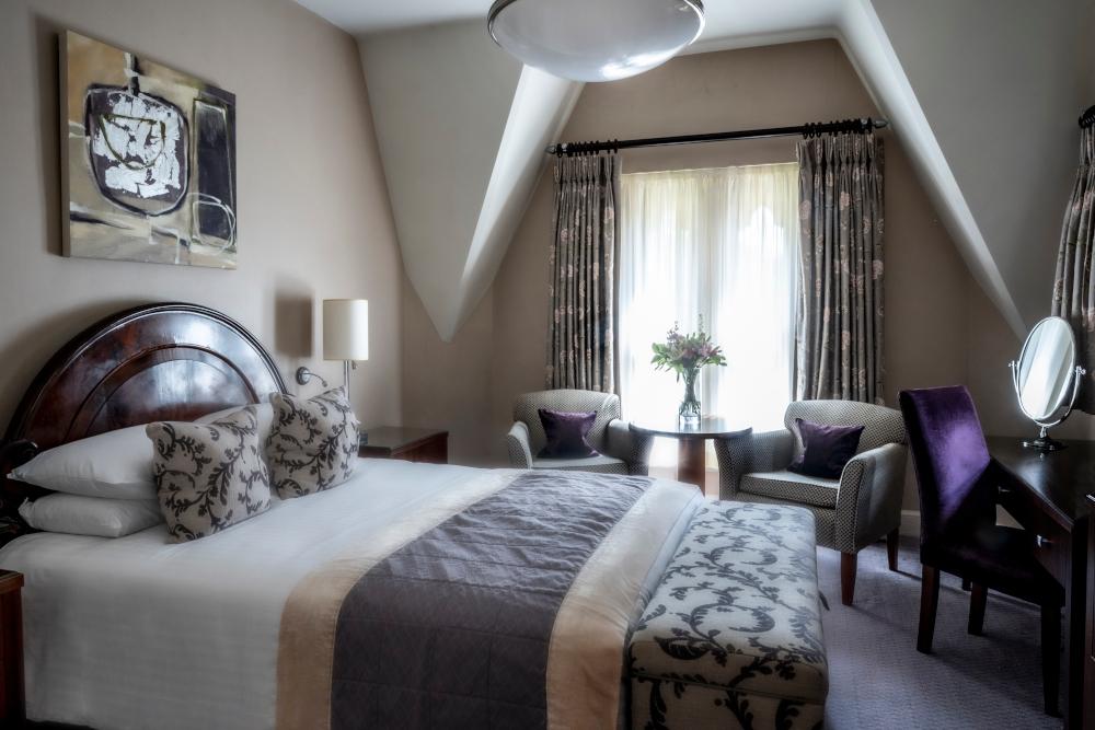 Elegant room in Ettington park