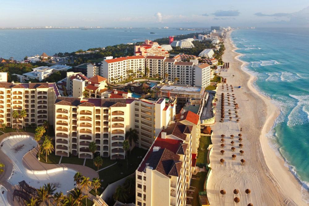Cancun beach and The Royal Islander Resort