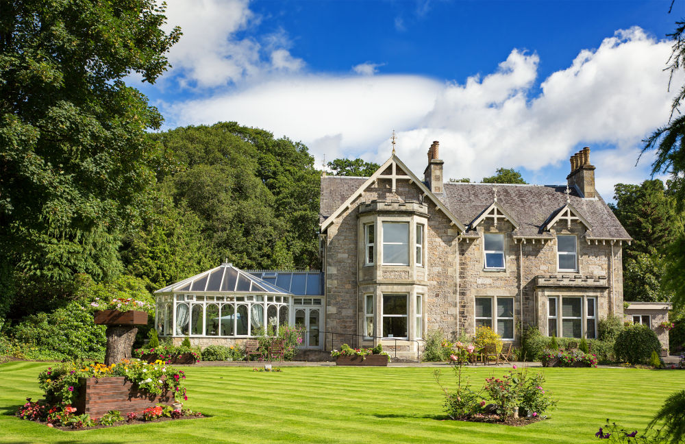 Traditional style Victorian Villa