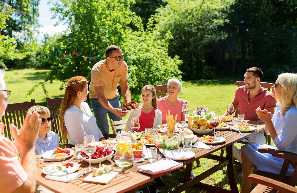 family garden dining