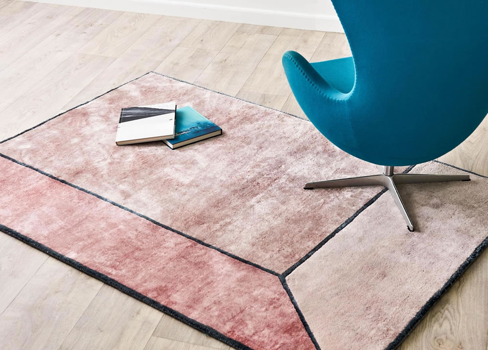 Bamboo 'Illusion' rug in terracotta