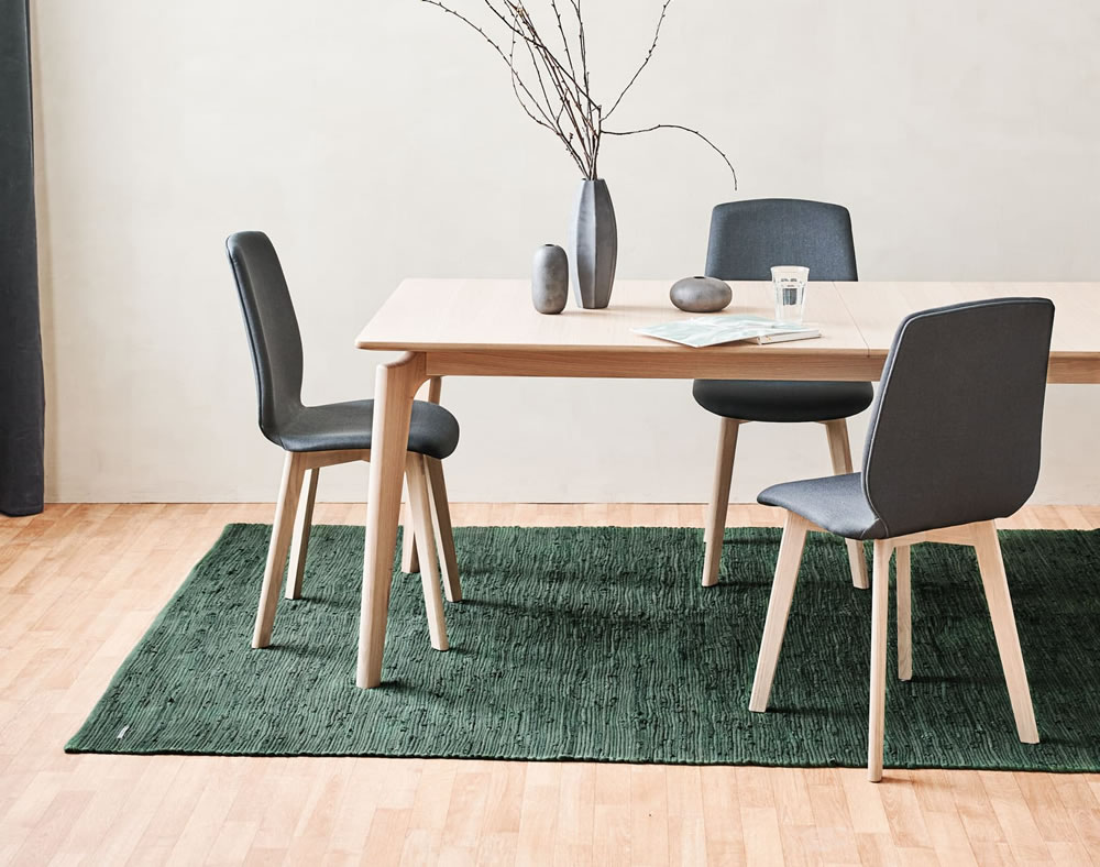 Cotton rug in guilty green