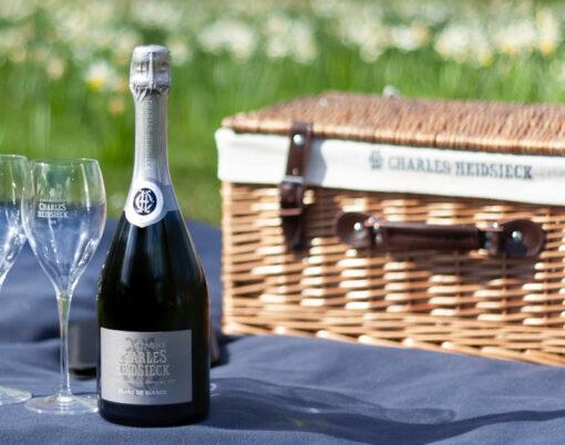 picnic hamper champagne