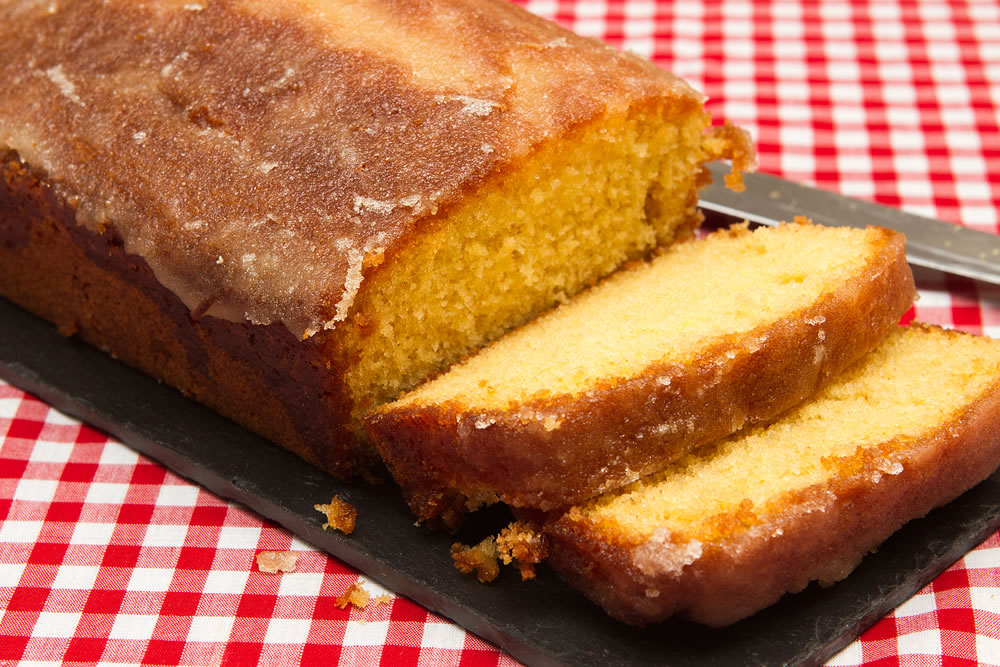 Lemon and lime drizzle cake