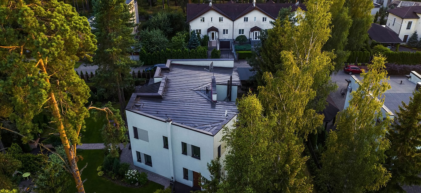 luxury property with flat roof