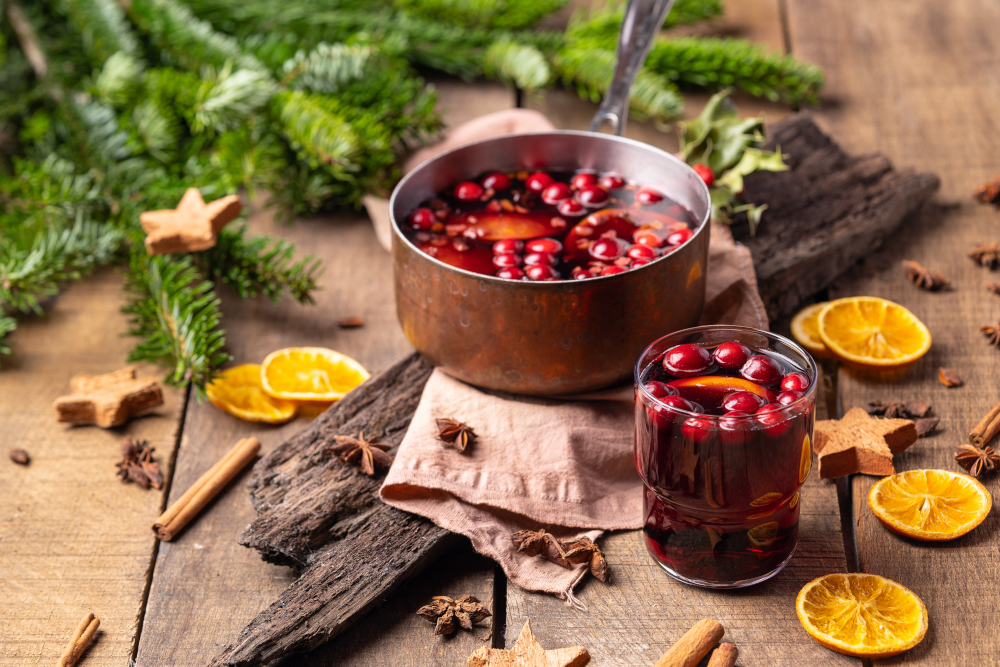 Hot mulled red wine