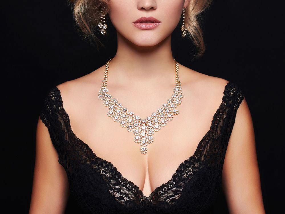 diamond necklaceon woman
