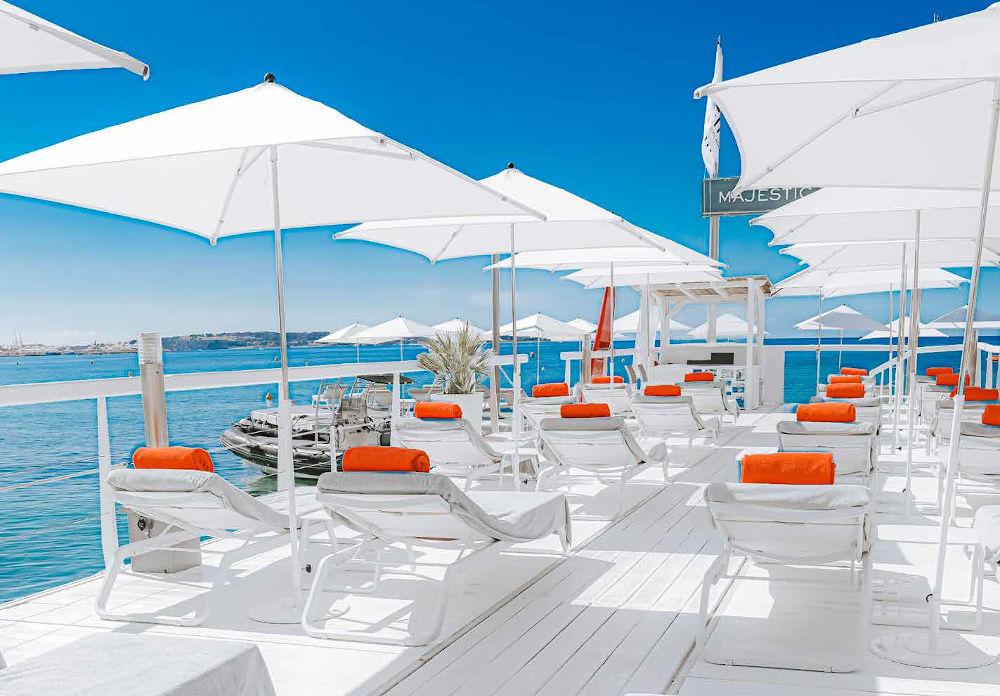 hotel barriere cannes beach