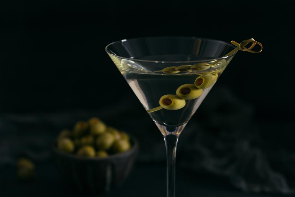 classic dry martini cocktail